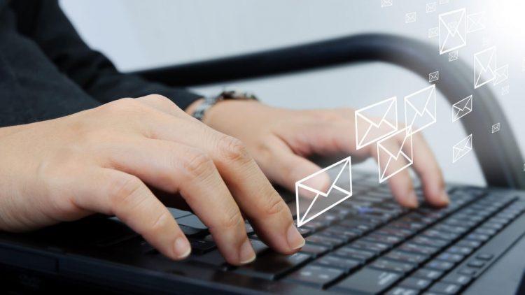Resultado de imagen de escribir email