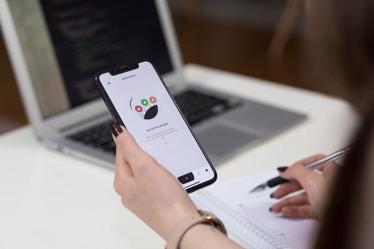 Las mejores aplicaciones móviles de gestión empresarial para autónomos.