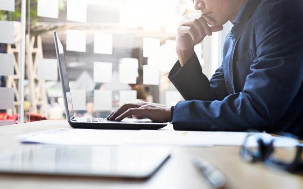 Ser 'freelance' sin pagar cuota de autónomos, ¿es legal?